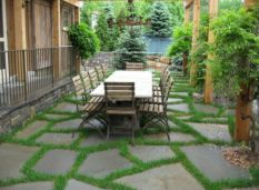 Bluestone Offcut Crazy pavers all surrounded by grass