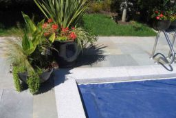 Dove White Granite Pool Coping with Ashlar Pattern Quartz Pool Paving